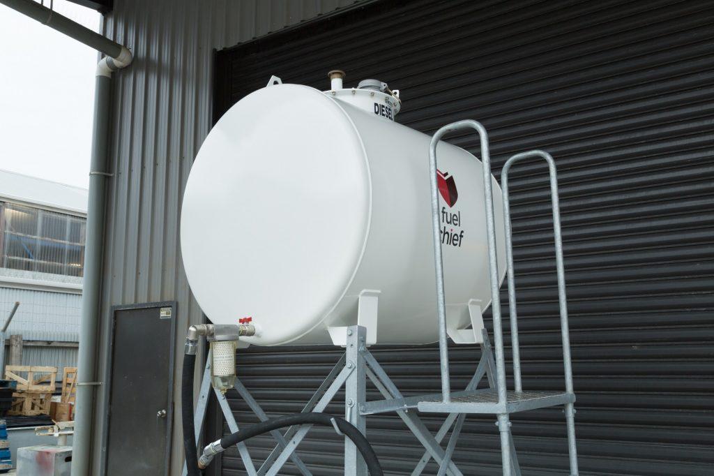 900l compliant overhead farm tank